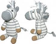 Gehäkeltes Zebra in grau-weiß