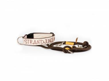 "STUDIO AM MEER -  Surfsegel Halsband ""M - Strandjunge mit Windrose"""